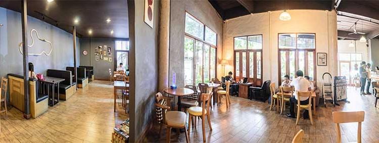 พักจิบกาแฟกับบรรยากาศชิล ๆ พร้อมเมนูเครื่องดื่มและเบเกอรี่หลากรส ที่ร้าน 'Coffee Der La (คอฟฟี่เด้อหล่า)'