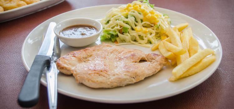 อิ่ม อร่อย ในราคาสบายกระเป๋า กับเมนูสเต๊กและอาหารทานเล่นคุณภาพดี ที่ร้าน 'Steak Today'