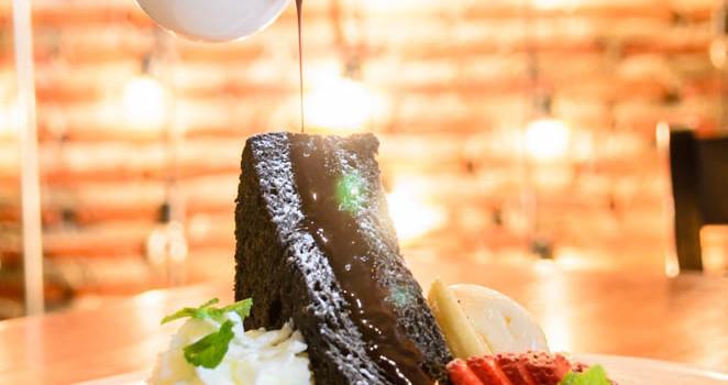 พร้อมเสิร์ฟเมนูอาหารอิตาเลี่ยนสไตล์ฟิวชั่น หอมกรุ่นด้วยรสชาติเครื่องดื่มและของหวานแสนอร่อย ที่ร้าน 'Cup D Coffee & Bistro'