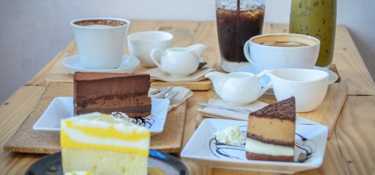 ผ่อนคลายยามบ่ายกับเมนูกาแฟและของหวานแสนอร่อย ที่ร้าน 'T Pausa'